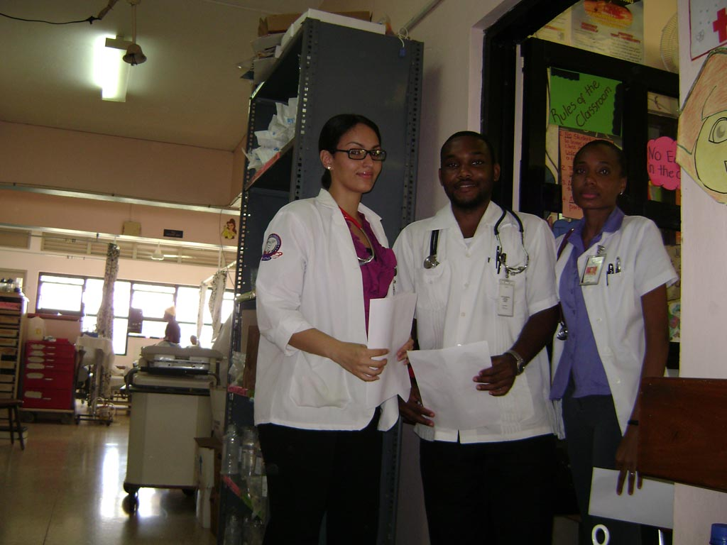 AAIMS students in Jamaica Hospital rotations